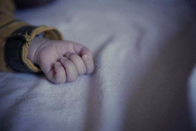 В Днепре 6-месячный малыш умер от удушья пакетом