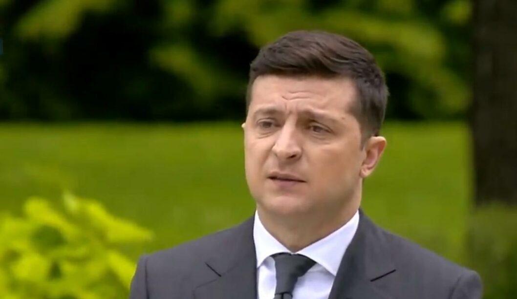 """Зеленский рассказал о назначении своих """"друзей"""" на госдолжности (ВИДЕО)"""