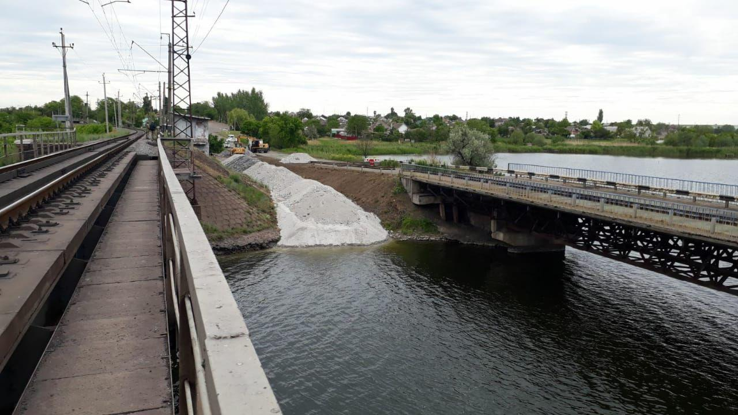 Разрушенный мост под Никополем