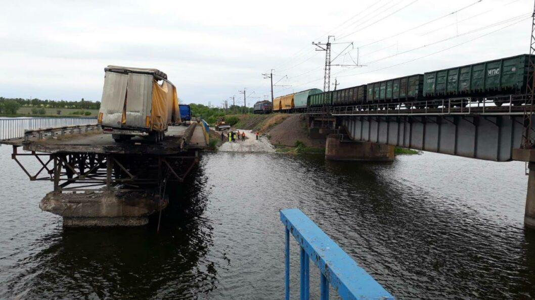 Разрушенный мост в Никополе