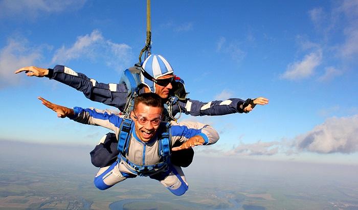 Тандемный прыжок с инструктором на парашюте
