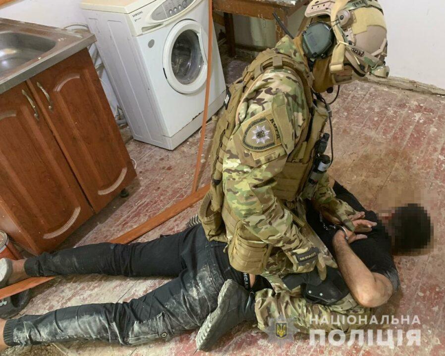 Нападали на пенсионеров: на Днепропетровщине задержали банду иностранцев (ФОТО)