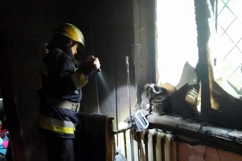В Днепре на Калиновой горела квартира (ФОТО)