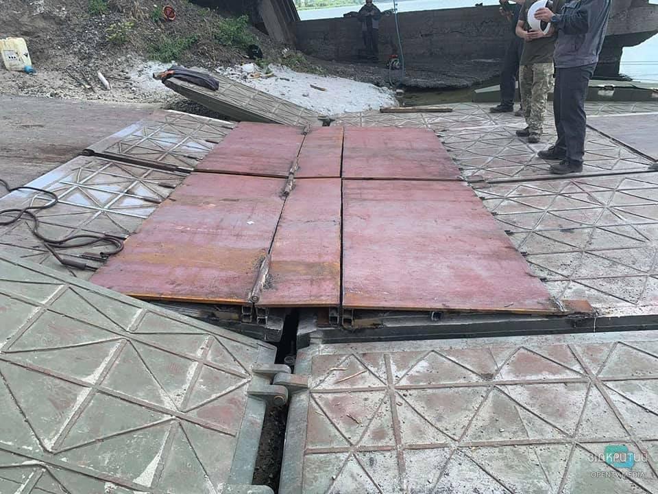 Еще одна попытка: под Никополем снова чинили многострадальный мост