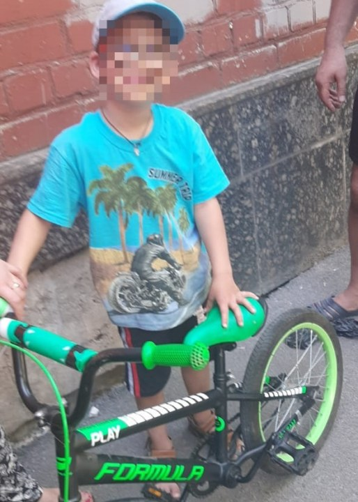 В Днепре у ребенка застряла нога в велосипеде
