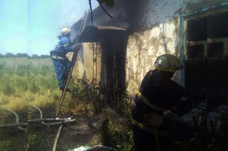 Под Днепром горел жилой дом: погиб мужчина