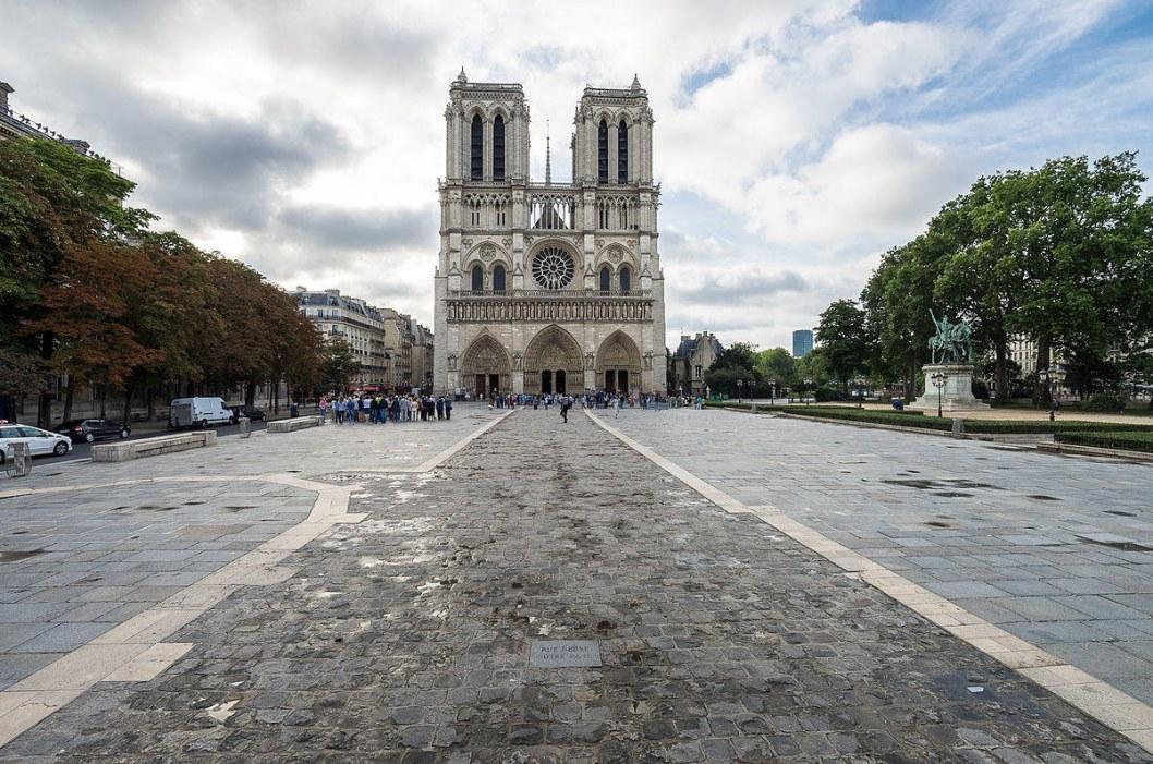 Нотр-Дам в Париже