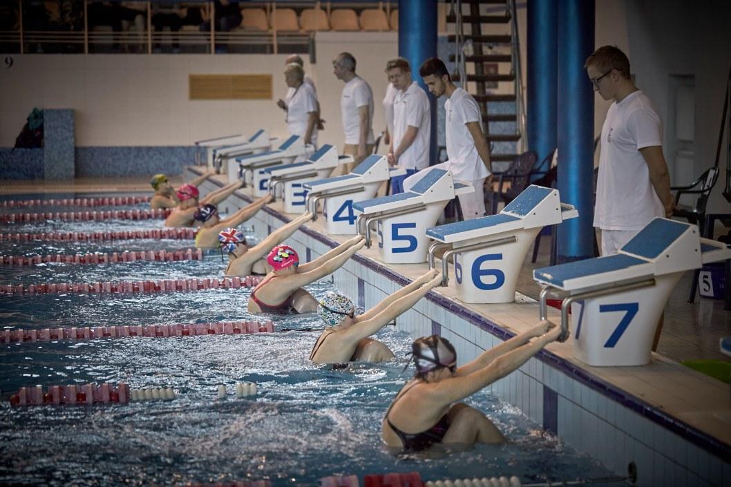 Как пловцы Днепра выходят из карантина (ВИДЕО)