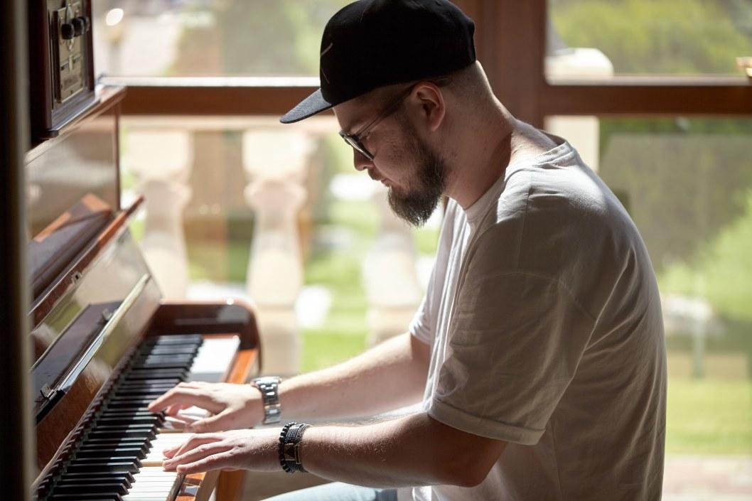Повернення джедаїв: фронтмен Кімнати Гретхен розповів про новий альбом, коронавірус та протести у США