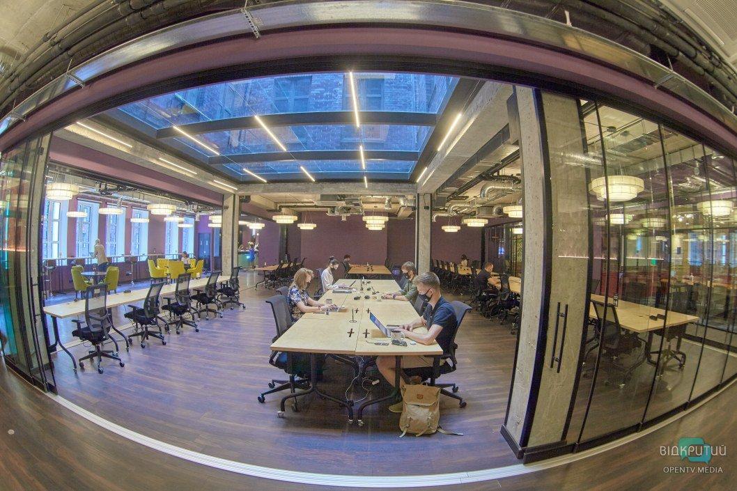 Диснейленд для взрослых: в Днепре открылось креативное офисное пространство (ФОТОРЕПОРТАЖ)