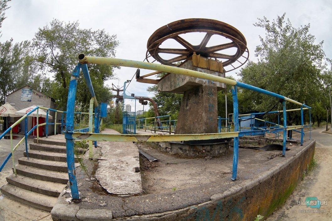 """Джунгли над рекой и призрак машинной станции: какие тайны хранит """"канатка"""" в Днепре"""