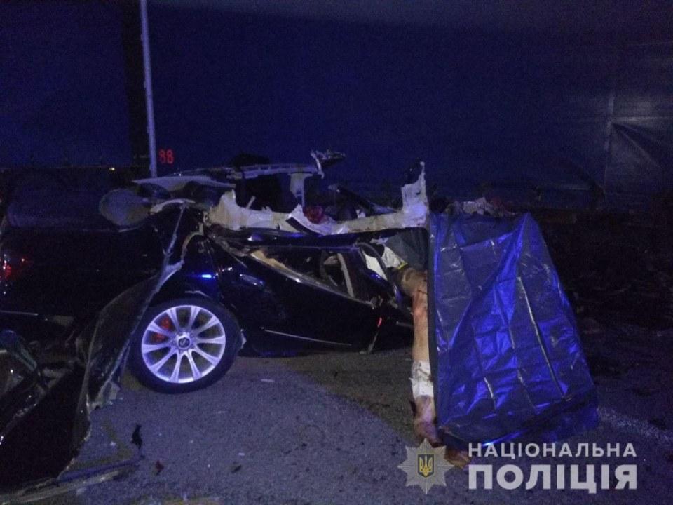 Разбились двое взрослых и маленькая девочка: под Днепром случилось ужасное ДТП (ФОТО)