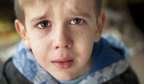 Оказался в ловушке: спасатели освободили ножку 7-летнего ребенка (ФОТО)