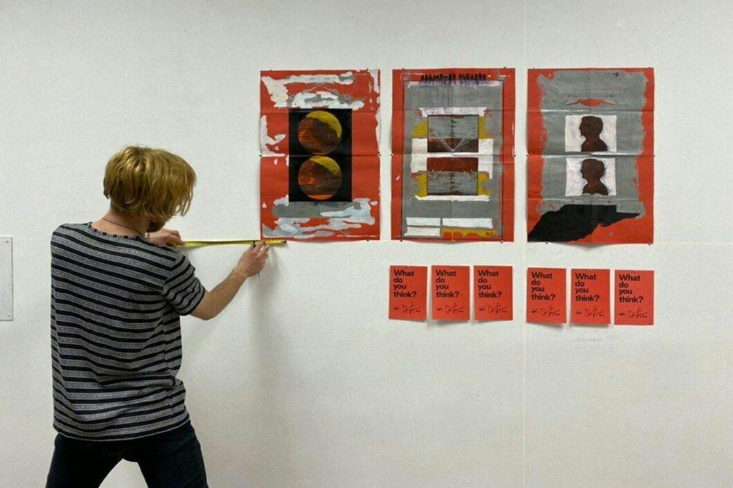Всё хорошо: в Днепре проходит выставка молодого художника