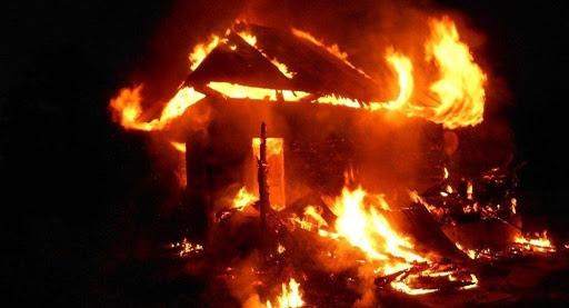 В Никополе пожар в жилом доме: погиб мужчина