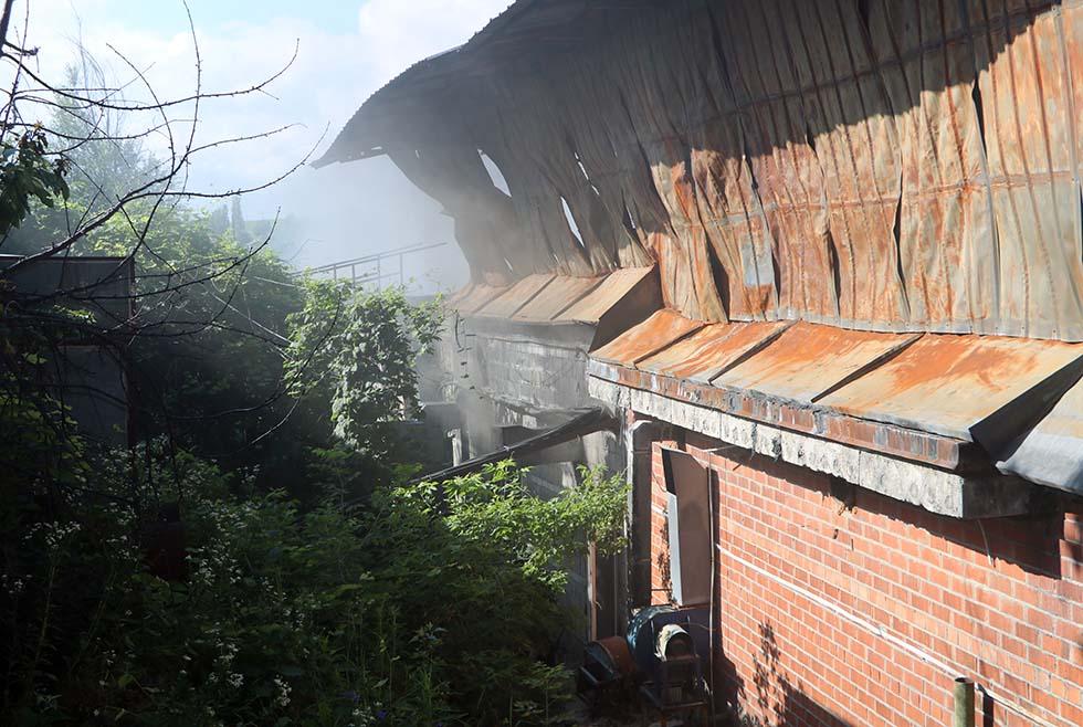 Под Днепром горел завод пластмассовых изделий: что известно (ВИДЕО)