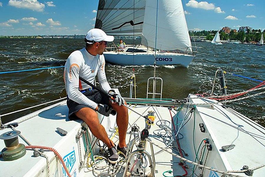 Праздничная регата: из Днепра в Очаков плывут десятки яхтсменов