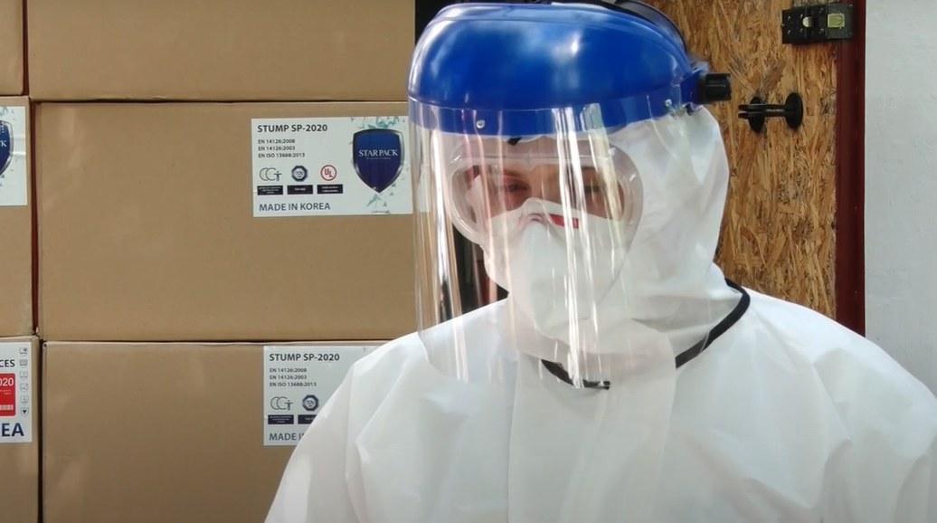 Врачам Днепропетровской области закупили 20 тысяч костюмов биозащиты (ВИДЕО)