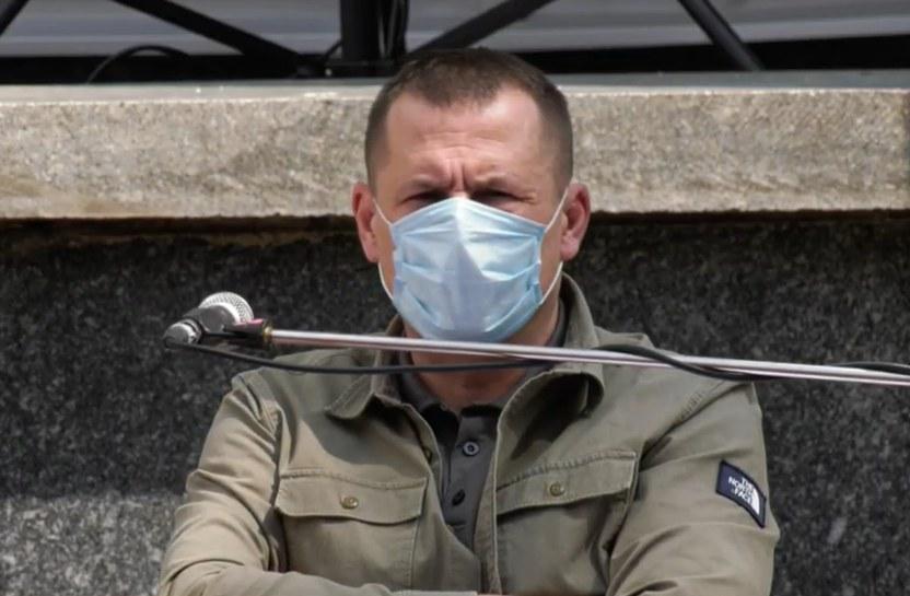 Мэр Днепра Филатов о красно-черном флаге возле ОГА: не дам расколоть город