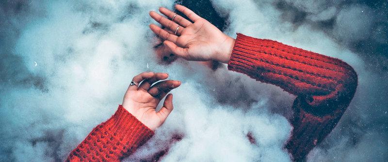 devushka v dymu 0