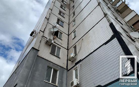 В Кривом Роге мужчина сорвался с 4-го этажа, спускаясь по простыням