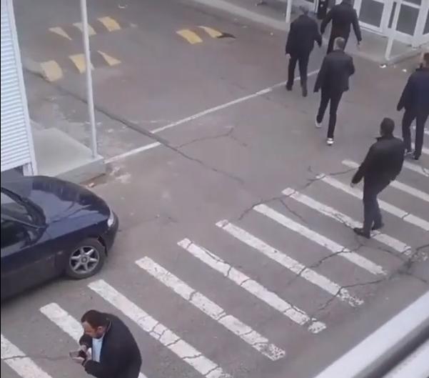 """Перестрелка в Одессе на рынке """"7 км"""": есть раненые (ВИДЕО)"""