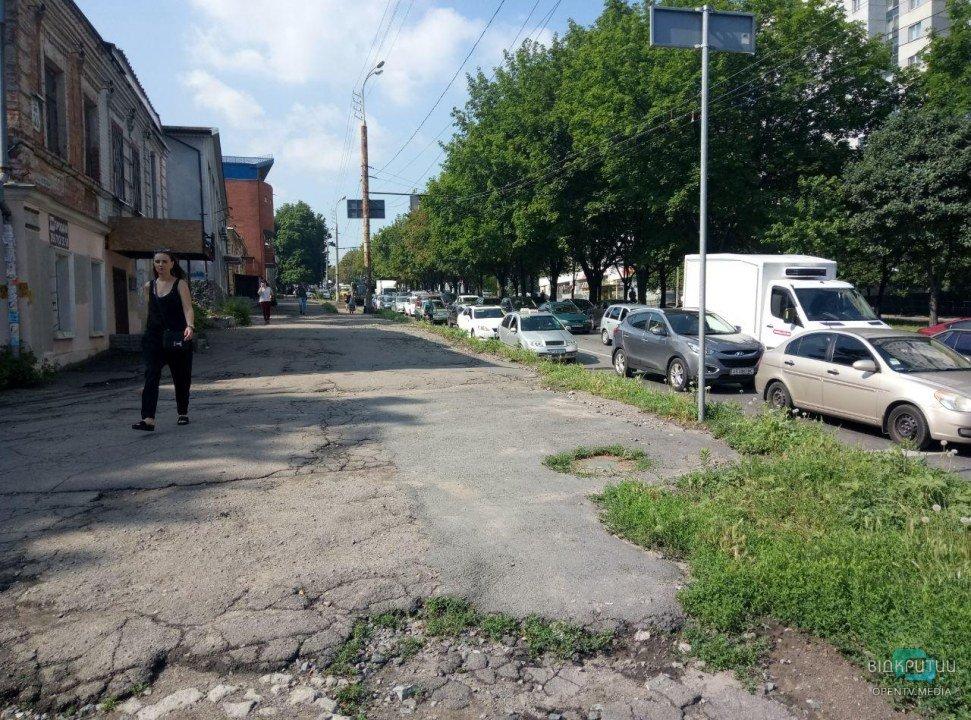 ДТП с маршруткой: в Днепре внизу Поля образовалась огромная пробка