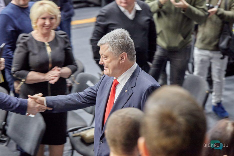 Почти миллиард гривен: Петр Порошенко получил рекордный доход