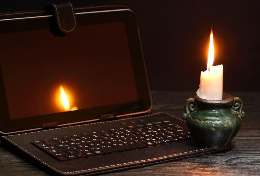 Зарядите смартфоны заранее: шесть районов Днепра сегодня останутся без света