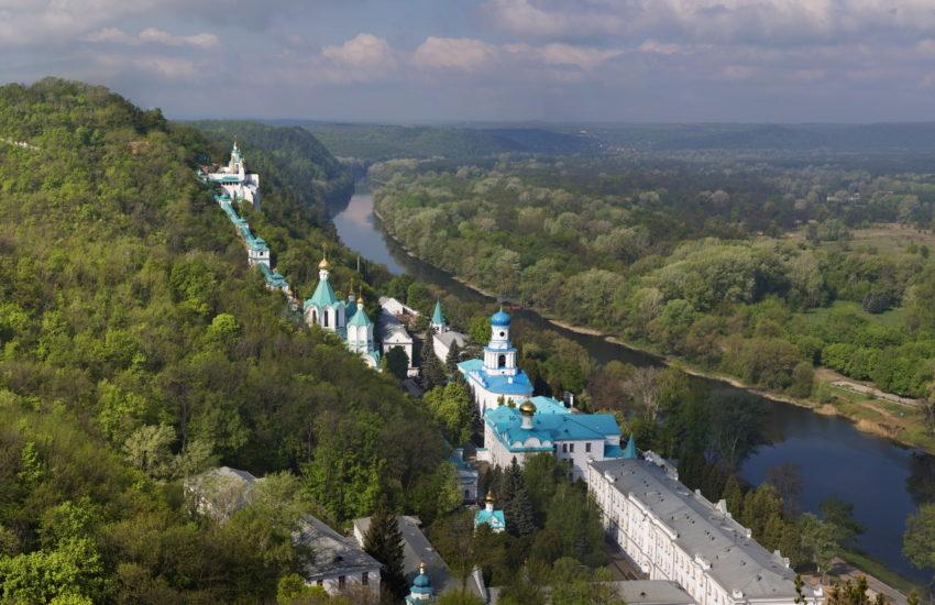 Пустыня, замок и соляные шахты: ТОП-10 интересных мест в областях, граничащих с Днепропетровской
