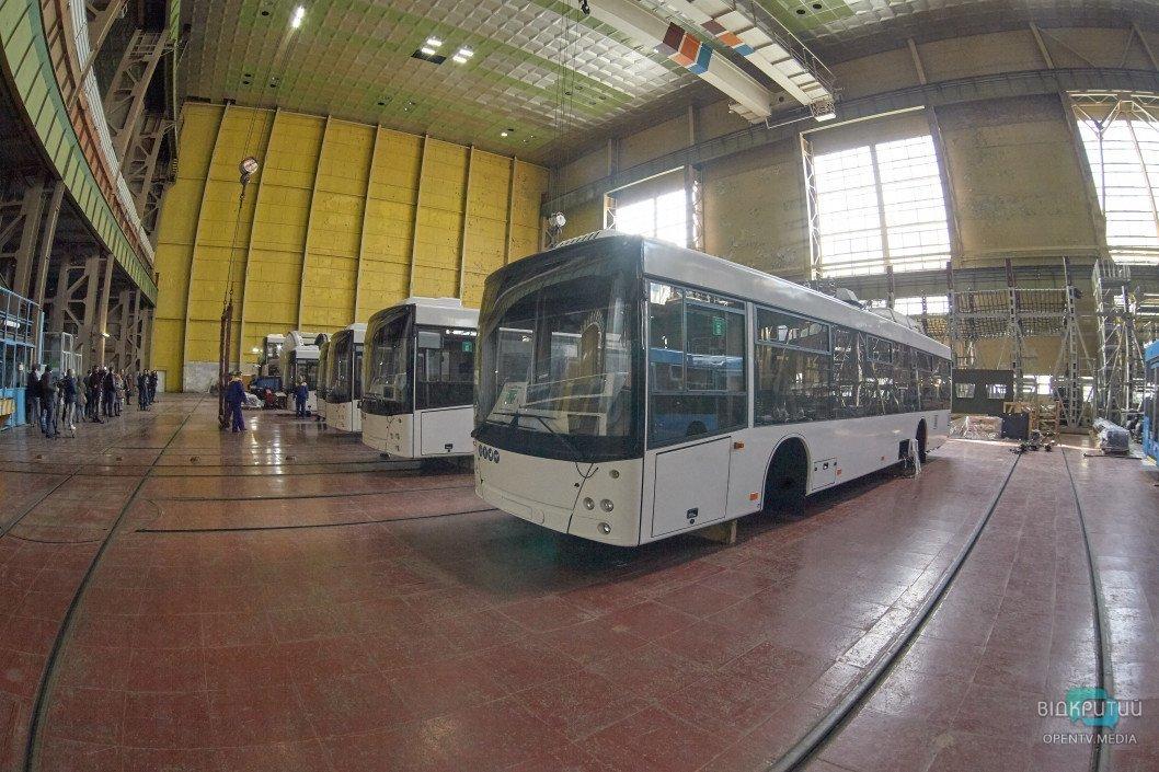 В Днепре полностью обновят подвижной состав троллейбусов