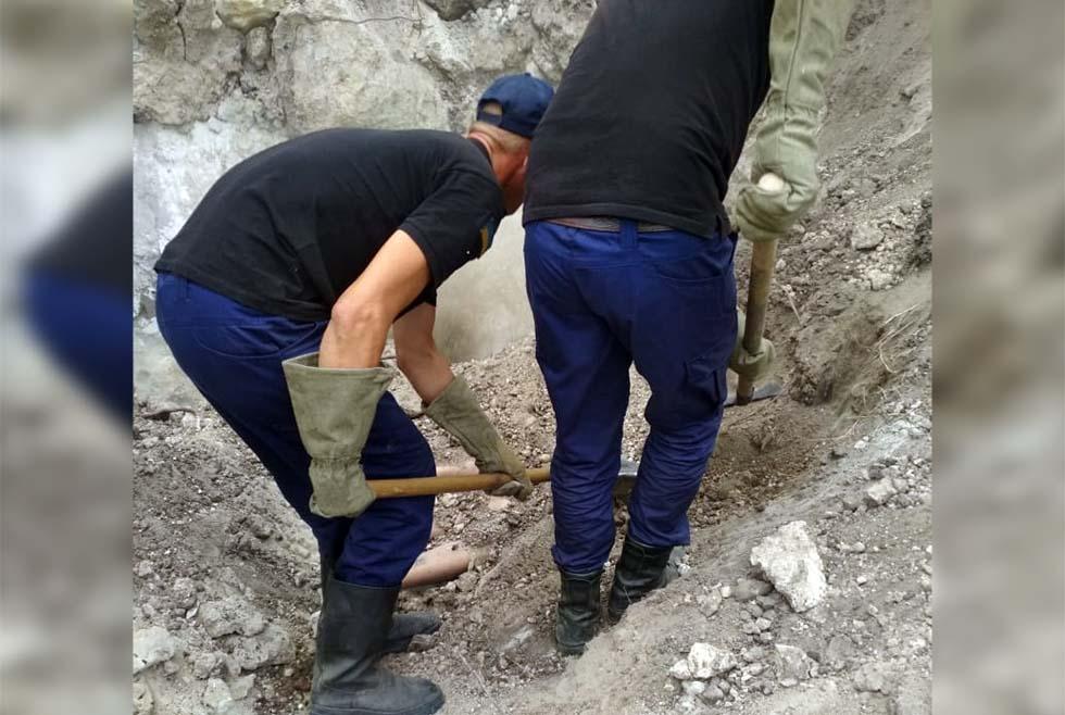 Под Днепром из-за обвала песка погибли двое людей: среди них ребенок