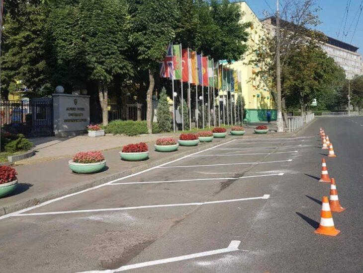 В Днепре появились бесплатные парковки: список адресов