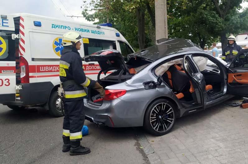 В Днепре на Набережной Победы смертельное ДТП с элитным BMW (ВИДЕО)