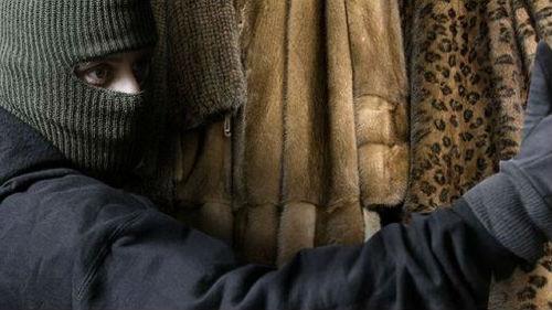В Кривом Роге из магазина украли 14 норковых шуб