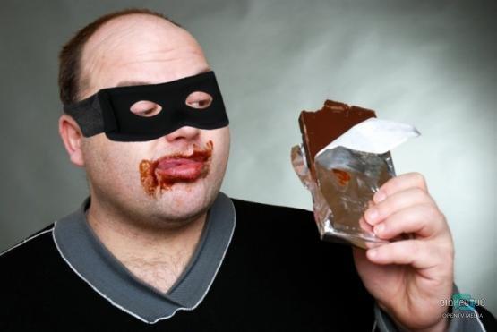 Гель для душа и шоколад: в Днепре поймали странного воришку