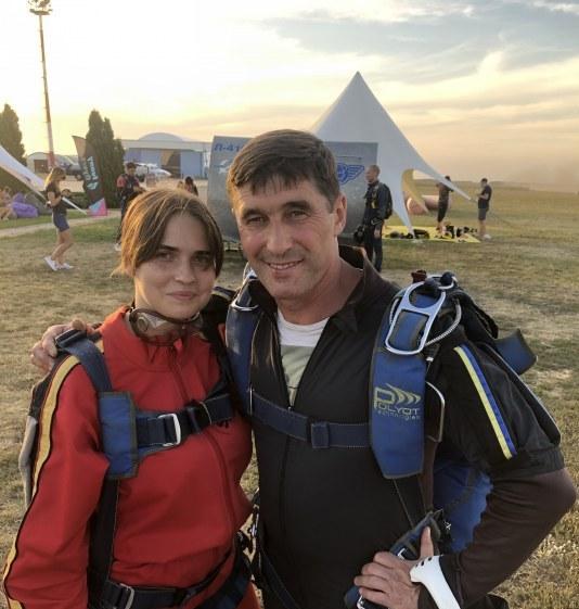 Прыжок в небо: в Днепре прошел День парашютиста