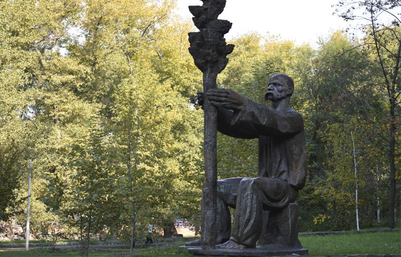 Ликвидация парков Глобы и Шевченко: кто теперь ими управляет