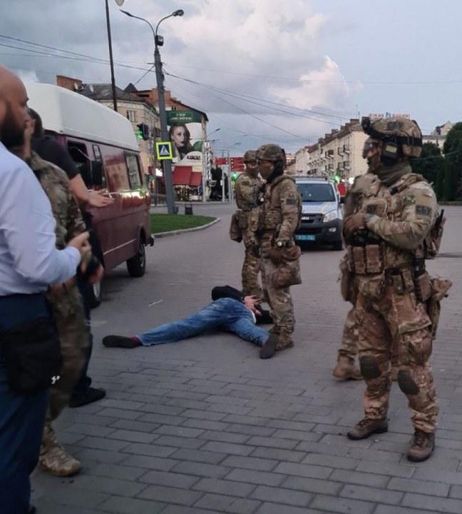 Луцкого террориста задержали: автобус взяли штурмом