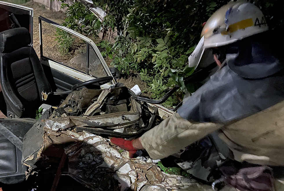 Под Днепром произошло страшное ДТП: водитель в больнице, пассажир погиб