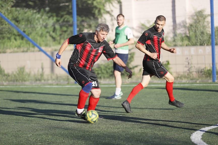 Коммунальщики Днепра сыграли в футбол: узнай, кто выиграл