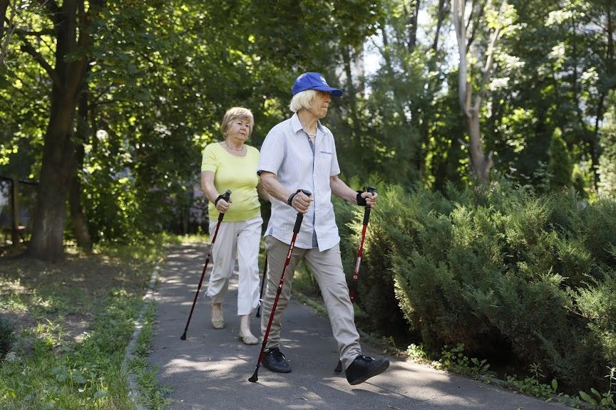 Как в Днепре проходят занятия по скандинавской ходьбе