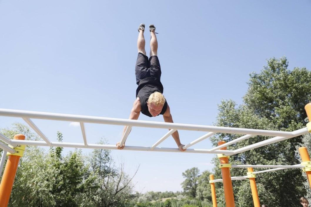 В Днепре появились новые площадки для занятий Workout