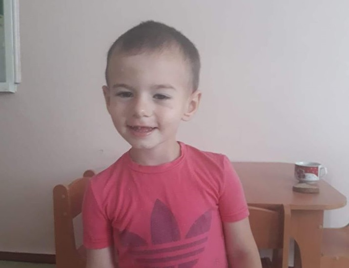 Искали три дня: полиция Каменского нашла маму подкинутого мальчика