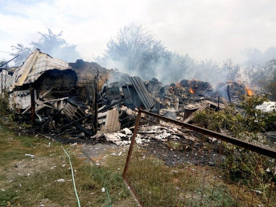 Сгорело всё: под Днепром произошёл сильный пожар (ФОТО)