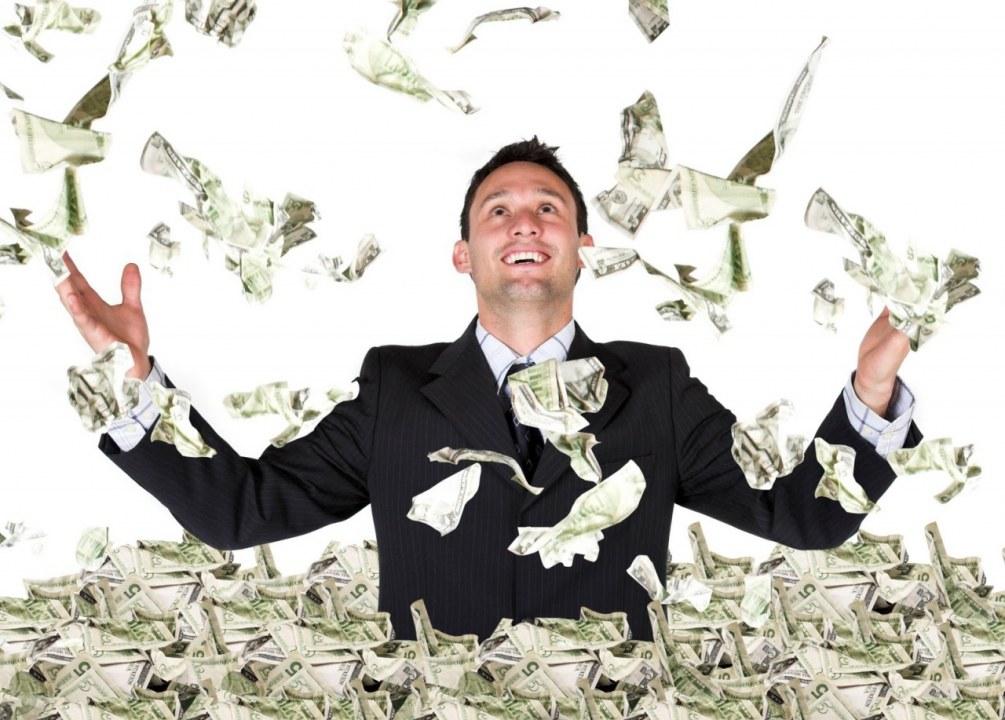 В Украине за год выросло количество богачей, один миллиардер - из Днепра