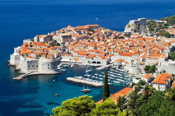 Пора в отпуск: как добраться из Днепра в Хорватию и сколько это стоит