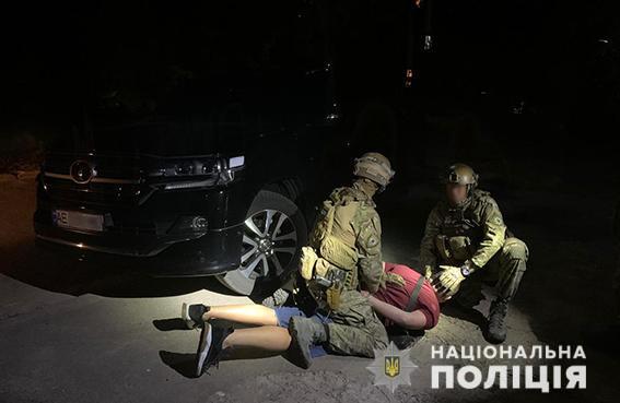 Хотел подкупить полицейского: в Днепре задержали главаря ОПГ (ФОТО)