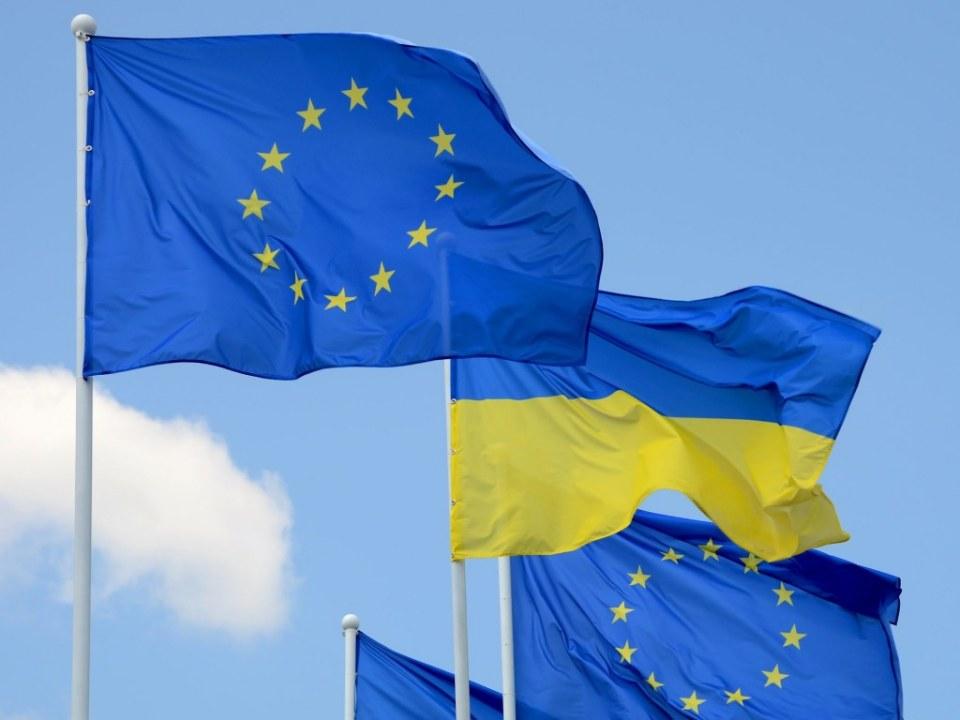 ЕС продлил запрет на въезд для украинцев