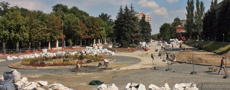 Реконструкция: как проходят работы на площади Шевченко в Днепре (ФОТО)